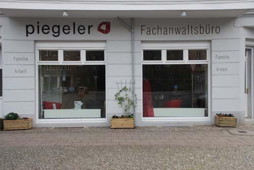 kita playground 10243 berlin friedrichshain wegweiser aktuell. Black Bedroom Furniture Sets. Home Design Ideas