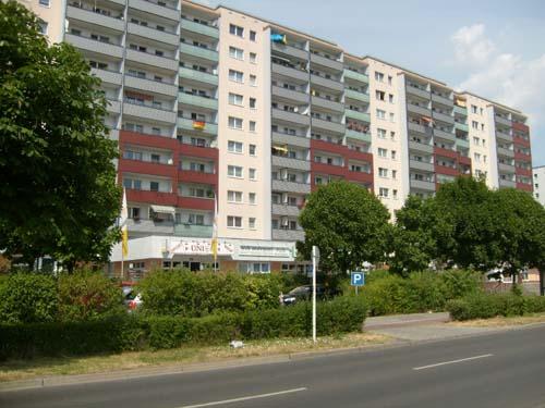 deutsche wohnen immobilien management gmbh 12627 berlin hellersdorf wegweiser aktuell. Black Bedroom Furniture Sets. Home Design Ideas