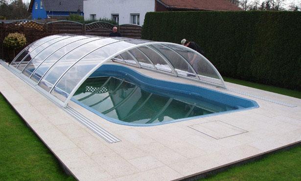 Schwimmbadanlagen strandk rbe pool berdachung in for Swimmingpool abverkauf
