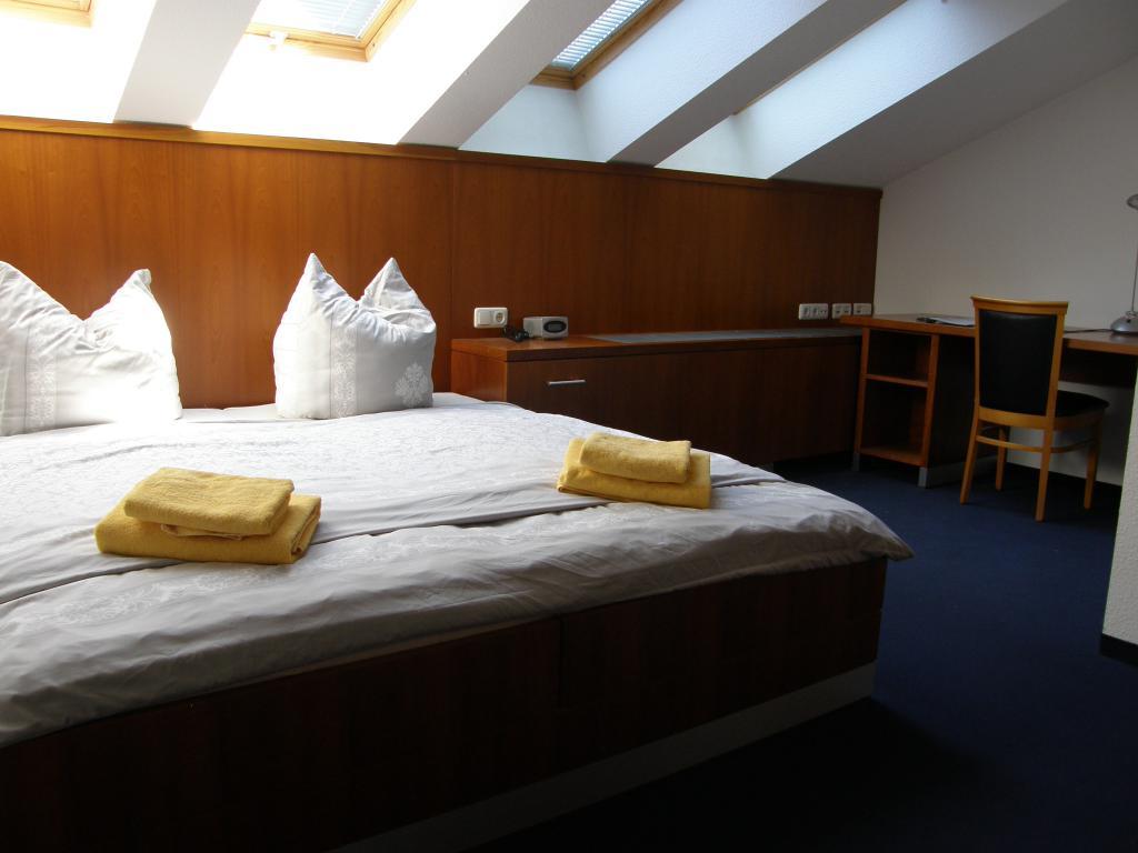 hotels pensionen g steh user und zimmervermietung berlin prenzlauer berg wegweiser aktuell. Black Bedroom Furniture Sets. Home Design Ideas