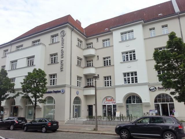 stadt und land wohnbauten gesellschaft mbh serv 12487 berlin treptow johannisthal wegweiser. Black Bedroom Furniture Sets. Home Design Ideas
